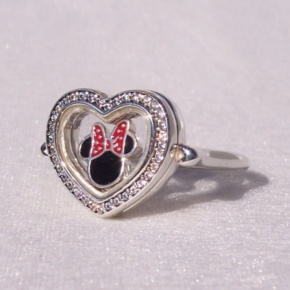 a71178b9e Pandora SPARKLING Ring FLOATING HEART LOCKET. M_5c40f26b2e1478601ee5bc7d